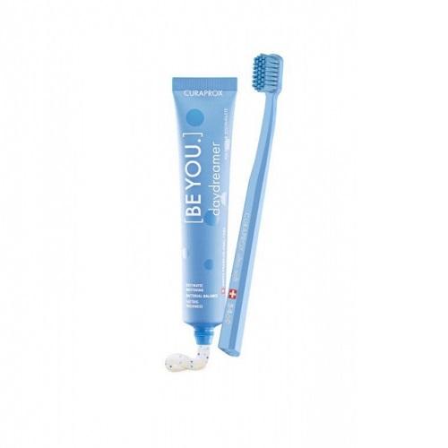 Купить Curaprox Набор: зубная паста Мечтатель со вкусом ежевика-лакрица 90 мл + ультрамягкая зубная щетка 1 шт (Curaprox, Наборы), Швейцария